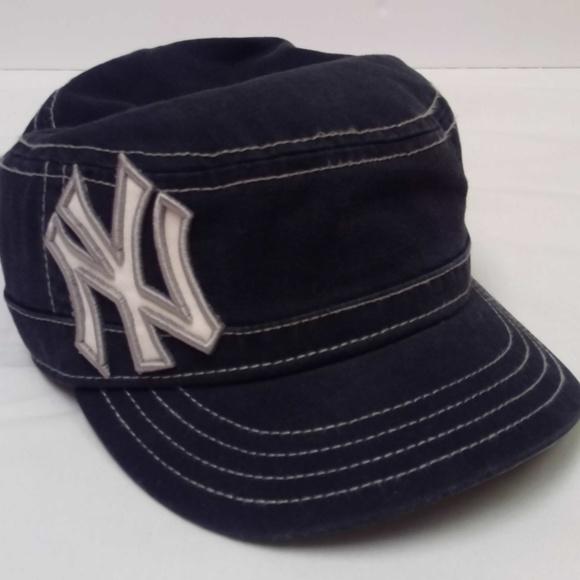 Women s NY Yankees Fashion Hat. M 5b7f54682beb7930622f7733 39b7e80f9